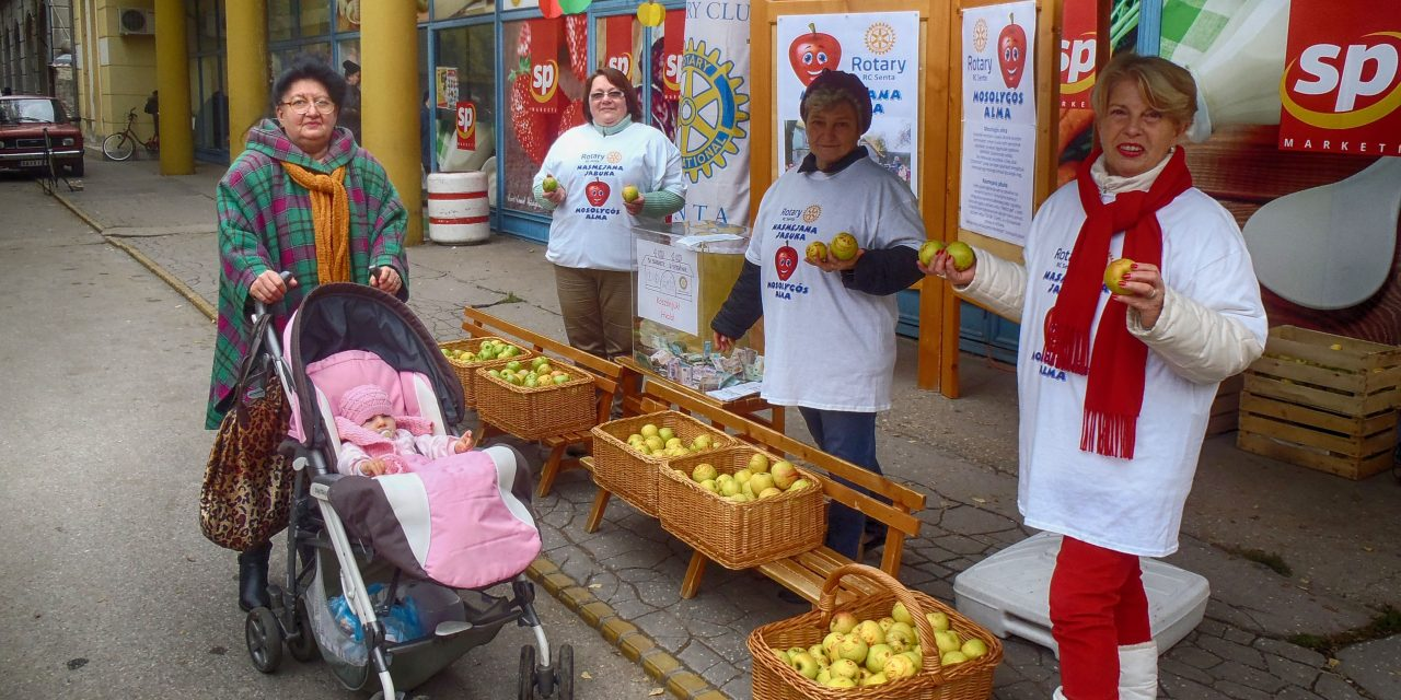 Zenta: elkeltek a mosolygós almák