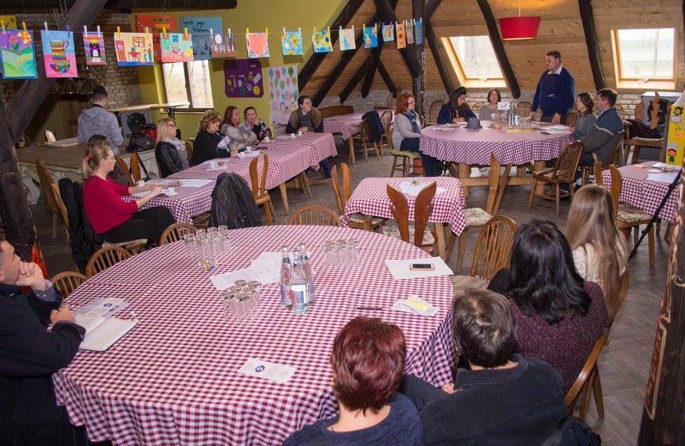 Topolya: Konferencia a nagycsaládok helyzetéről