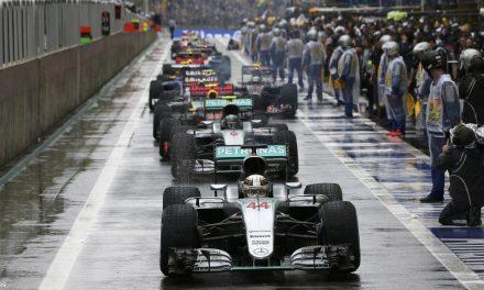 """<span class=""""entry-title-primary"""">F1 – Az utolsó versenyen fog eldőlni a világbajnoki cím sorsa</span> <span class=""""entry-subtitle"""">Hamilton nyert, de Verstappen volt a legjobb versenyző az esős brazil futamon</span>"""