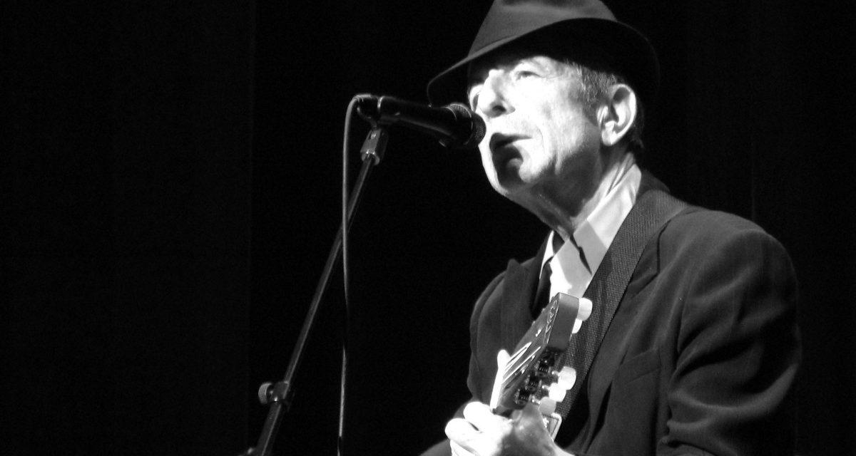 """<span class=""""entry-title-primary"""">Búcsú az apokalipszis költőjétől (VIDEÓVAL)</span> <span class=""""entry-subtitle"""">(Leonard Cohen 1934-2016)</span>"""