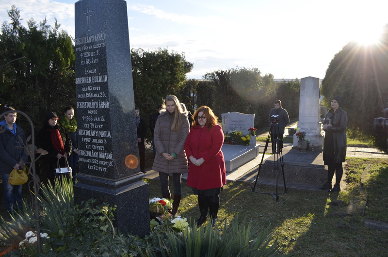 Kosztolányi Dezsőre emlékeztek a családi sírboltnál