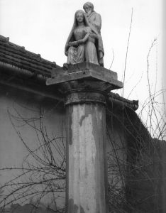 senta-sactal-cross-anna-maria-sculpture_0012
