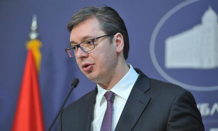 Vučić: Nem lesznek előrehozott parlamenti választások