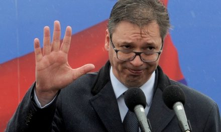 """""""Vučić, te homoszexuális férfi"""""""