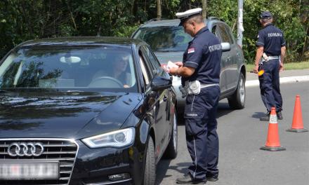 Kettős állampolgár vezethet-e Szerbiában külföldi rendszámtáblás autót?