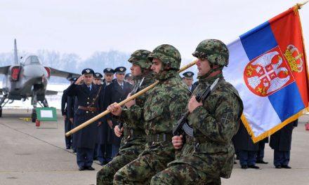 A szerbek továbbra is a hadseregben bíznak leginkább