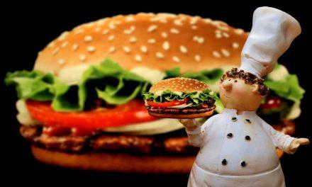 "<span class=""entry-title-primary"">McWorld – barátságért hamburgert?</span> <span class=""entry-subtitle"">Május 28-án van a hamburger napja</span>"