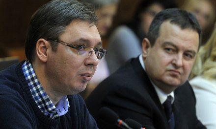 Beperelte Vučičot és Dačićot a kilencvenes években történtekért