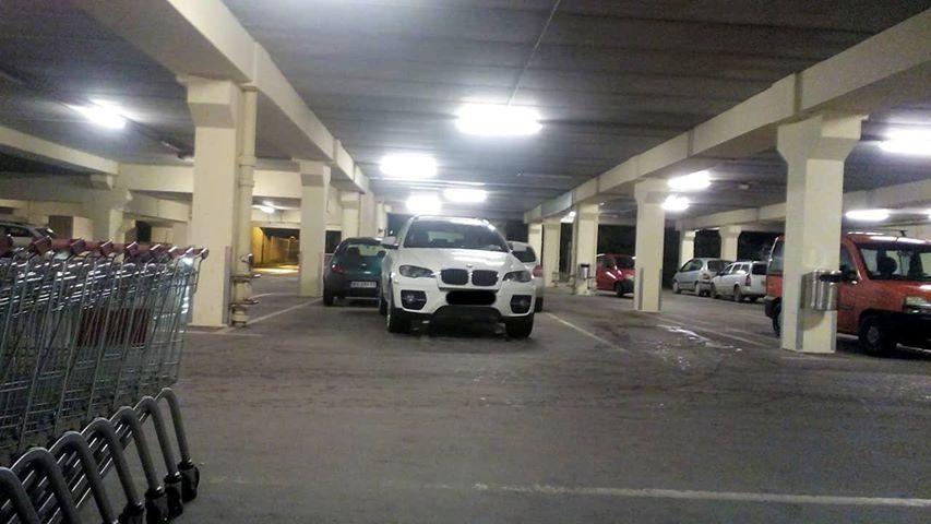 b4422d0064dd Zentai parkolás – aranybánya a bevásárlóközpont parkolóháza | Szabad ...