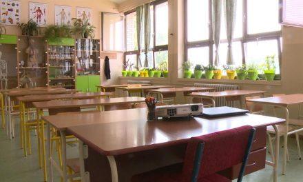 """<span class=""""entry-title-primary"""">Megkezdődött a nevelési-oktatási támogatások folyósítása</span> <span class=""""entry-subtitle"""">Több mint 230 ezer határon túli magyar óvodás és iskolás kap segítséget</span>"""