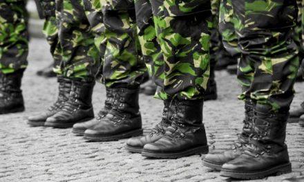 Általános katonai kiképzésről beszél a védelmi miniszter