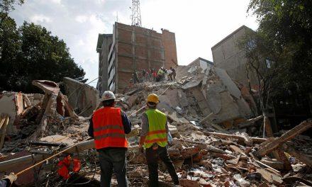 Már több mint 220 halottja van a mexikói földrengésnek (VIDEÓ)