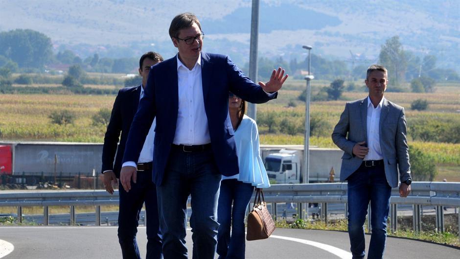 Vučić: 1200 kilométer autópályát Szerbiának!
