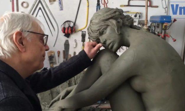 Brigitte Bardot szobrot kap