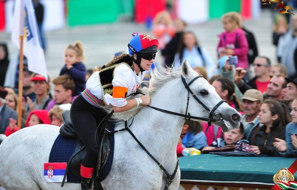 Szerbia lovasa második