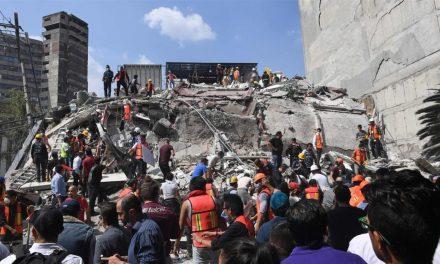 Százötven halottja van a katasztrófának, a fővárosban toronyházak omlottak le