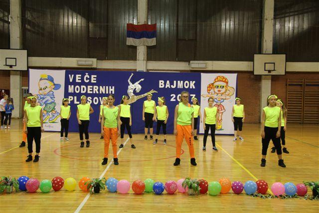 Modern táncosok Bajmokon (GALÉRIA)
