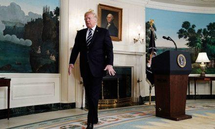 """<span class=""""entry-title-primary"""">Kinek a gondja az atombomba gombja? (Trumpizmusok)</span> <span class=""""entry-subtitle"""">Az idióta, a kő(olaj)arc – meg a tábornokok </span>"""
