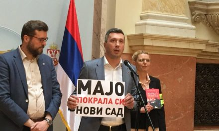 Maja Gojković azt állítja, megtámadták őt a Dveri képviselői