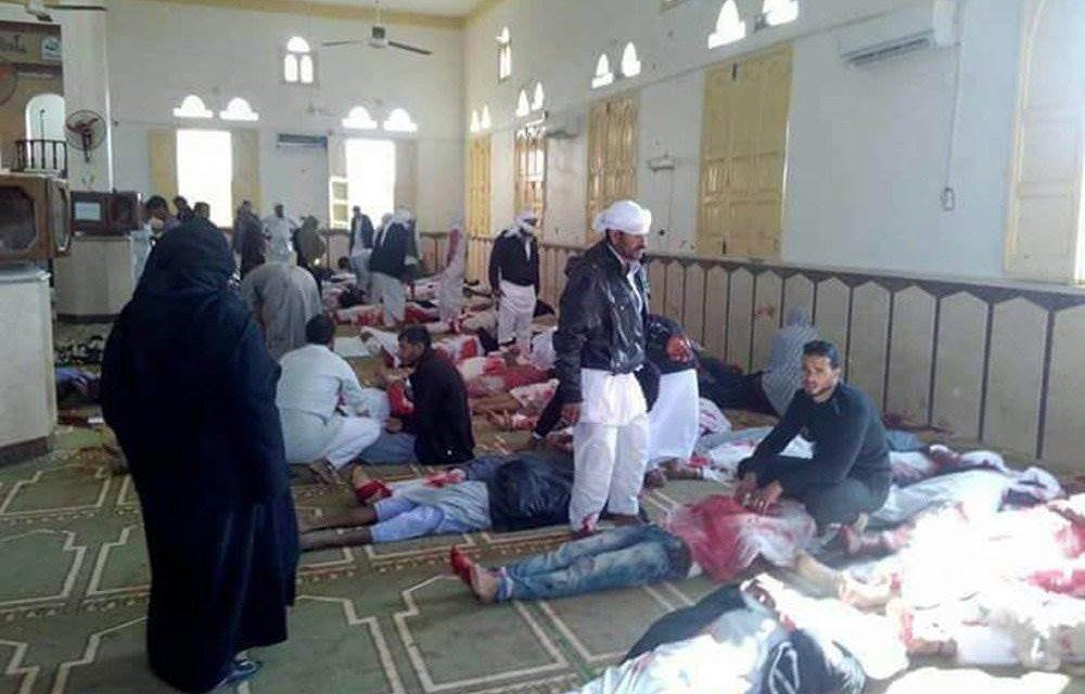 """<span class=""""entry-title-primary"""">Egyiptomi merénylet: Kétszáznál is több halott</span> <span class=""""entry-subtitle"""">Tömeggyilkos támadást követtek el egy mecsetnél</span>"""