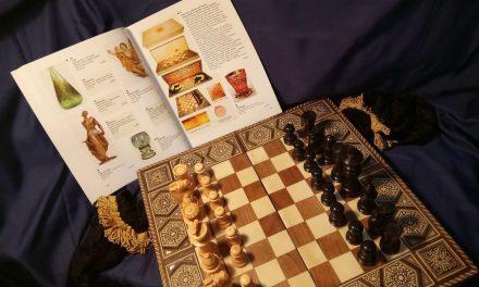 """<span class=""""entry-title-primary"""">Eladó Kádár János sakk-készlete</span> <span class=""""entry-subtitle"""">December 5-ig lehet licitálni az értékes történelmi ereklyére</span>"""
