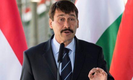"""<span class=""""entry-title-primary"""">Áder János kitűzte a választás időpontját</span> <span class=""""entry-subtitle"""">Magyarország köztársasági elnöke április nyolcadikára írta ki a képviselőválasztást</span>"""