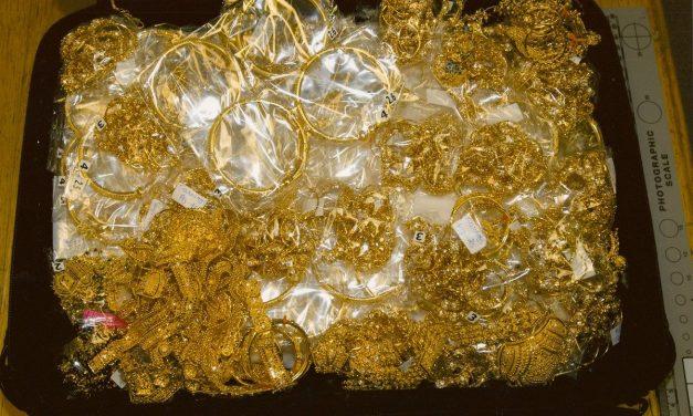 Hat kilogramm aranyat találtak a pénzügyőrök Röszkén