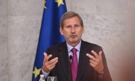 Hahn: Konkrét példák bizonyítják a sajtószabadság megsértését