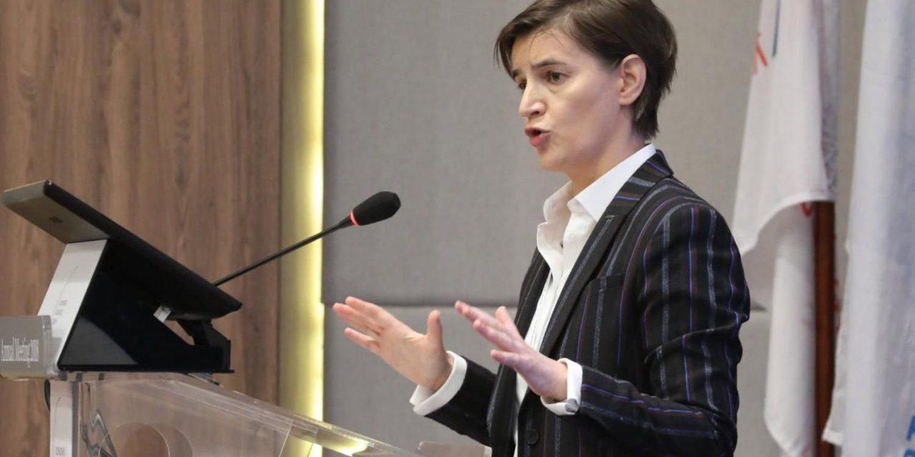 A kormányfő figyelmeztet: a nemzeti tanács nem politizálhat