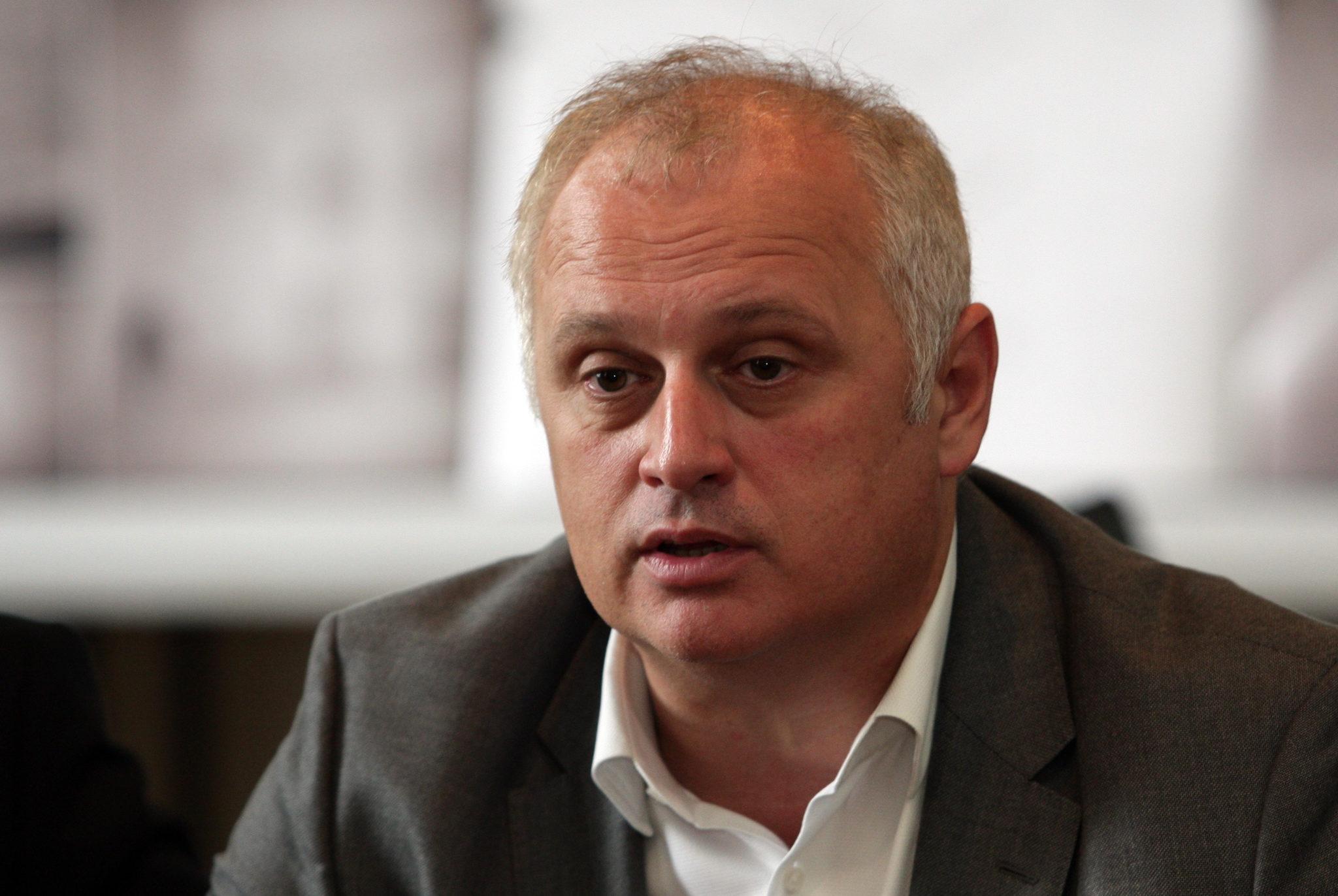 Vesić: A beoltottaknak előjogokat!