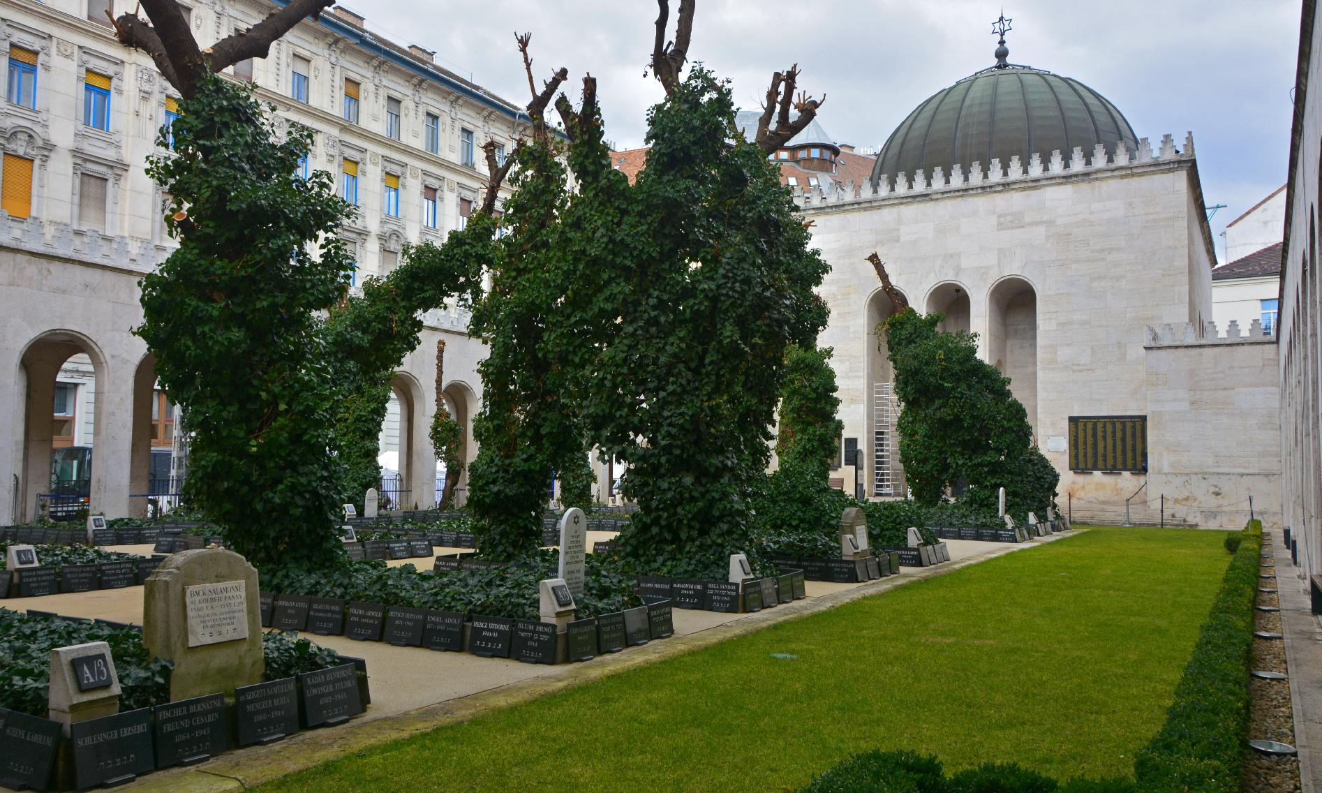 Húszéves a holokauszt magyarországi emléknapja