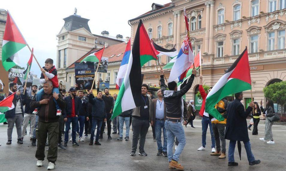 Palesztinok tüntettek Újvidék központjában (videó)